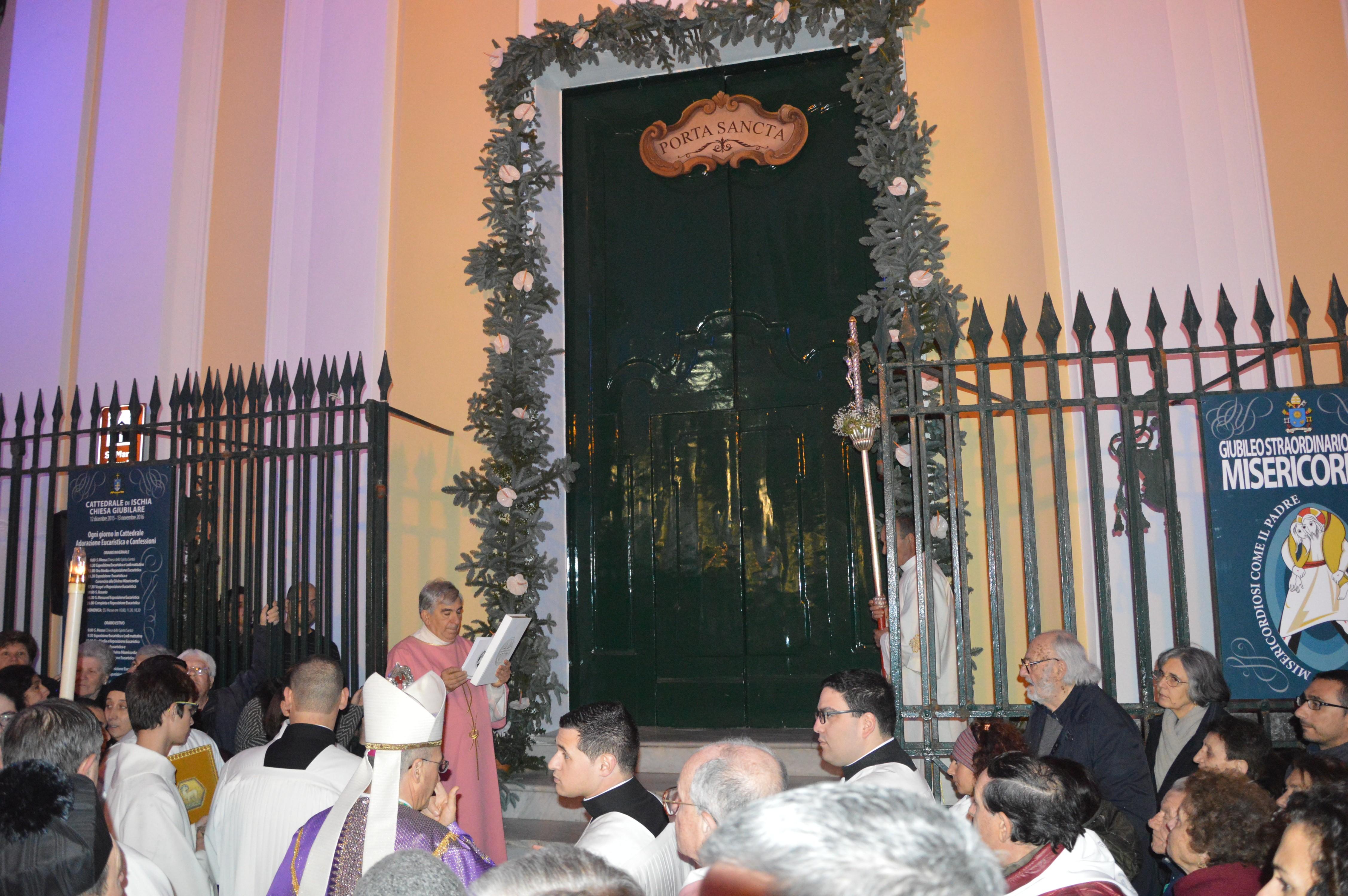 Anno Giubilare, il vescovo Borghetti chiude la porta santa di San Michele