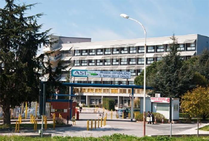 Pozzuoli. Paziente muore in ospedale: i parenti scatenano una maxi rissa