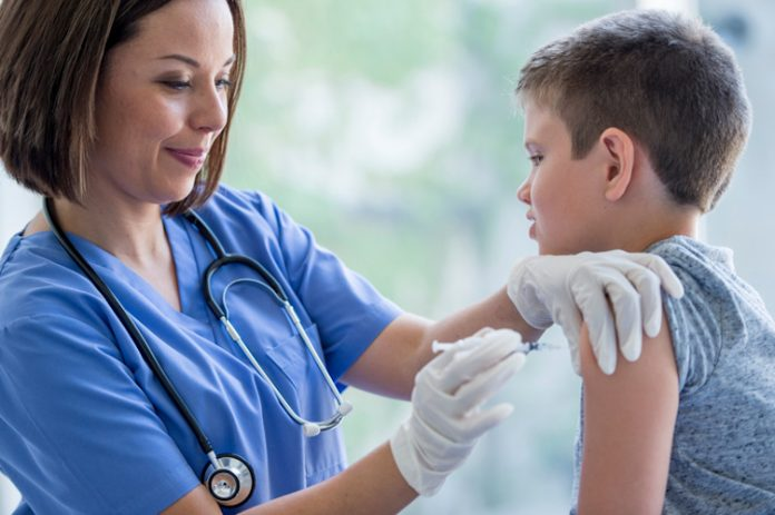 Piano anti-meningite, a Ischia i primi 71 adulti vaccinati