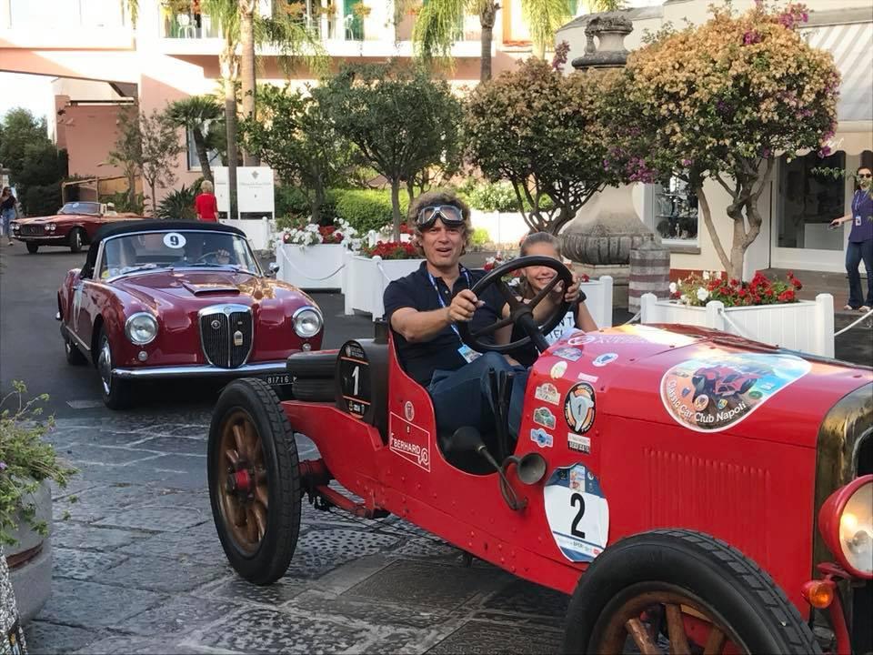Il Classic Car Club Napoli sull Isola Verde d50258ff0100e
